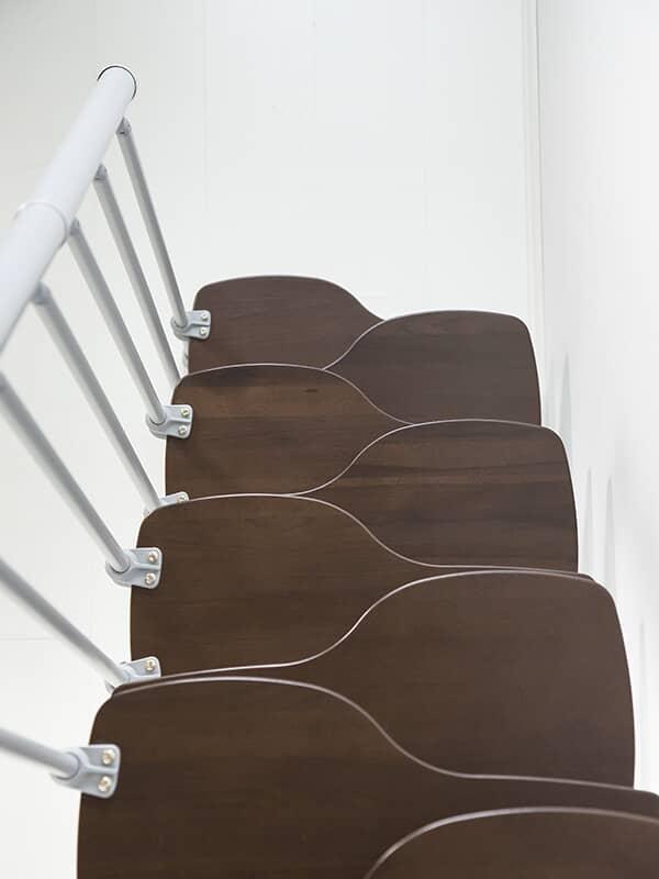 Escalier A Faible Encombrement Pense Pour Petit Espace