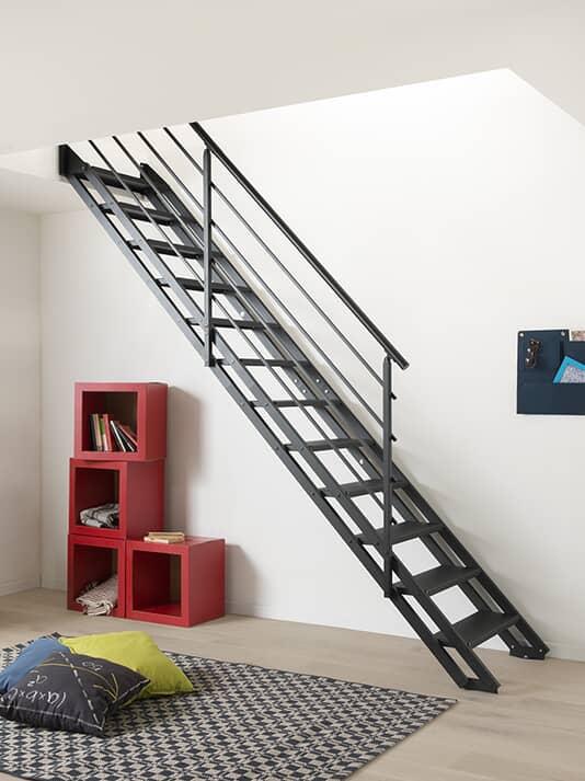 Fontanot Pop Total Black - Scala a rampa con gradini in acciaio verniciati a polvere