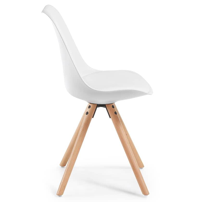 Sedie Di Plastica Colorate.5 Sedie Di Design Iconiche Per Chi E In Cerca Di Ispirazione